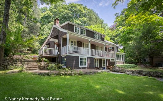 270 west mount airy road front