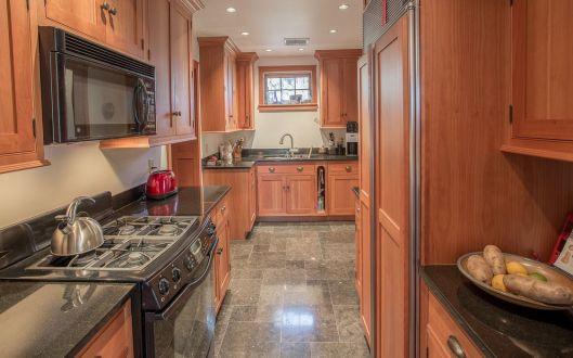 220 west kitchen