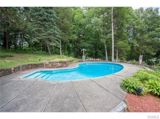 5 overlook oval pool