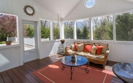 6-oreilly-porch